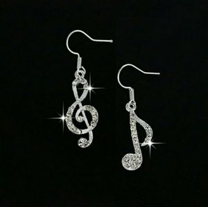 Jewelry - 🆕 Silver Music Note Earrings
